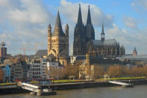 Expat way travel france week ends en europe cologne ville vivante et historique - Office du tourisme cologne ...